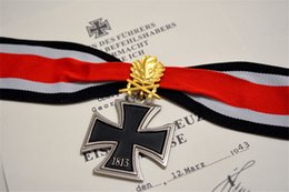 Wholesale Cross Medals - Wholesale-1813 Grand Cross German Knight's Iron Cross Medal With Golden  Silver Oak Leaves And Box   Ritterkreuz   EK 2 World War II