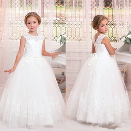 Wholesale Pretty Red Dresses For Girls - Pretty Princess Lace Flower Girls Dresses Ruffles Puffy Tulle Lace Beaded Sequined First Communion Pageant Gowns for Kids 2017 Custom Made