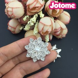 Wholesale Sewing Pearl Buttons - Rhinestone and Pearl DIY Flower Embellishments Buttons brooch - Sew on Wedding Dresses Wedding Favors (Beige+Silver)