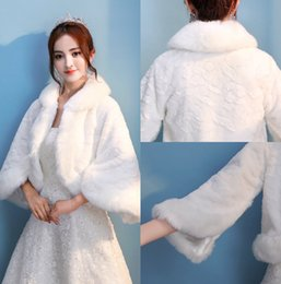 Wholesale Bride White Long Sleeve Shawl - Warehouse Wedding Fur Wraps Cheap Free Size Long Sleeves Winter White Red Faux Fur For Bride Beads Warm Cold Protection Bridal Shawls