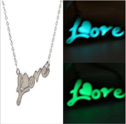 Mãe novo pingente de chegada on-line-New arrival Presente do dia das mães Luminous pendant love necklace