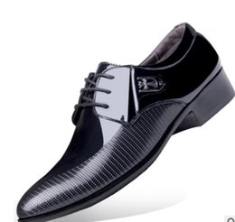 Wholesale Best Work Heels - 2017 Best selling men's quality flat bottom Oxford business shoes, suitable for party work, go out ,wedding