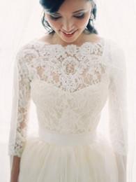fotos vestidos bolero Desconto Imagem Real 3/4 Manga Comprida Lace Jacket Para Vestidos De Casamento Elegante Bateau Lace Applique Nupcial Casacos de Inverno