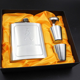 Wholesale Alcohol Gift Boxes - Luxury Pocket Hip Flask Pattern 7oz set Portable Stainless Steel Flagon Wine Bottle with Gift Box Pocket Flask Russian Alcohol Flagon