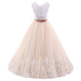 Wholesale Vintage Dresses For Kids - 2018 Vintage Flower Girl Dresses For Weddings Blush Pink Custom Made Princess Tutu Sequined Appliqued Lace Bow Kids First Communion Gowns