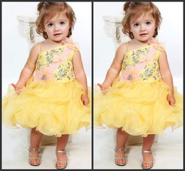 Wholesale Dreses Girls Party - Baby Dresses Crystal Sparked Communion Dreses Beautiful Yellow Pipings SHort Party Dresses Free Shipping Custom Made Kids Formal Wear