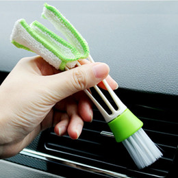 Wholesale brush outlet - 2-IN-1 Car Dust clean air conditioning outlet brush Wiper Cars Keyboards Cleaner with PP bag Package