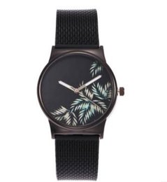 Wholesale United Digital - Black colors brand women watch Europe and the United States selling trend fashion ladies watch flower plastic plate quartz watch