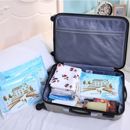 Wholesale Hotel Quilts - Pack 4 PCS Disposable Travel Bed Sheets Sheet + Double Quilts Cover + 2 X Pillowcase pillow case slip for Travel Trip Hotel Protection