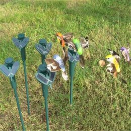 Wholesale Solar Flying Fluttering Hummingbirds - Solar Energy Toys Flying Fluttering Hummingbirds with Plastic Wing Novelty Items Educational Kid Toys Gifts 2017