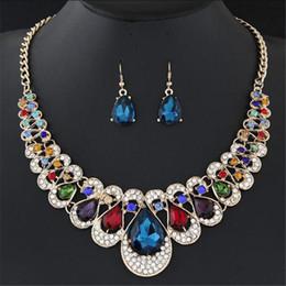 Damigelle d'onore set di gioielli online-Set di orecchini di cristallo di lusso collana per spose damigella d'onore bling collane di pietra gioielli da festa per donna regalo di Natale colorato trasparente