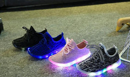 Wholesale led sneakers - kanye Baby Girls trainer boy tenis LED Light Shoes Toddler Anti-Slip Sports Boots Kids Sneakers Children Cartoon Flats child shoes