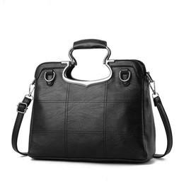 aca892b53430 2017 Brand Top-Handle Women s Handbags High Quality Luxury Women Bags  Shoulder Bag Ladies Summer Hand Bag Gifts Ladies