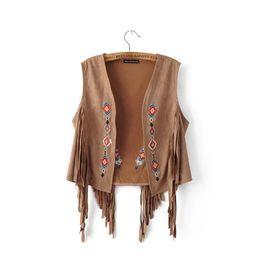 Abrigo de capa corta online-Moda europea nuevo diseño de las mujeres otoño étnico bohemia bordado estilo de la flor de gamuza de cuero flecos chaleco corto capa del cabo