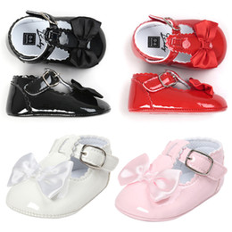 Wholesale Leather Shoes For Toddlers - 6colors Baby girls bowknot princess shoes 3 colors patent leather shiny pu infants first walkers Mary jane moccasins for toddlers 0-2T