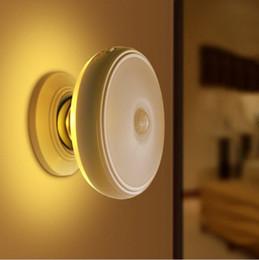 Recarregável Luz de Movimento Ativado Sensor LED USB Luz Noturna com Magnético, Seguro para Crianças, ótimo para o Interior, Armário, Escadas de