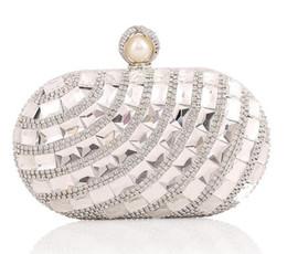 Bolso de noche champán dorado online-2017 Rhinestone de plata bolso de noche de cristal de oro bolsos de embrague Bling azul Champagne embragues pequeño bolso de hombro 051A