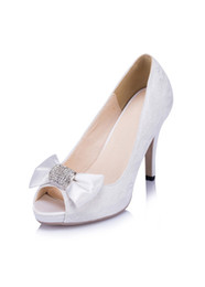Wholesale Ivory Shoes Bow - Glamorous Whie Lace Wedding Shoes With Bow 2017 Rhinestones Decoration High Heels Women Shoes For Wedding Peep Toes Summer Bridal Shoes