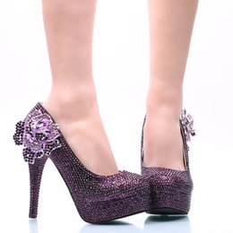 Vestido de fiesta morado de cenicienta online-Las nuevas mujeres del estilo visten los zapatos púrpura Rhinestone con Rose Flower nupcial de la boda zapatos de tacón alto Cinderella Prom Pumps más el tamaño