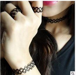 Bague bracelet en dentelle gothique en Ligne-3pcs / lot main Vintage Outus fleur collier tour de cou ensemble Stretch Velvet classique gothique tatouage dentelle collier tour de cou anneaux, bracelets
