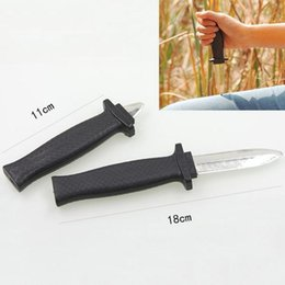 Wholesale Magic Prop Knife - Halloween Supplies Joke Prank Toys Comedy Magic Plastic Retractable Dagger Joke Prank Props Knife Scary Trick Party Decor c035
