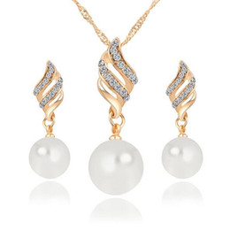 Wholesale Gold Studded Earrings - Smart Pearl Studded Necklace Set Spiral Jewelry Korean Simple Wind Ornament Set wholesale free shipping