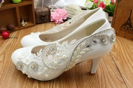 Wholesale White Diamond High Pumps - Manual white waterproof wedding shoes The bride take pictures show shoes High heels bridesmaid shoes show thin sheet metal and diamond