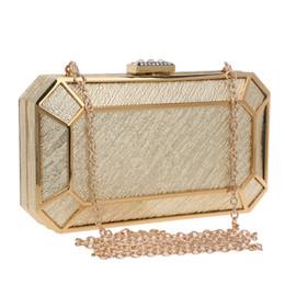 chaîne de sac d'or Promotion Flap Design Couleur Or Vintage Femmes Sacs Diamants Chaîne Épaule Jour Embrayages Sacs À Main Pour Sacs De Soirée De Mariage Tote