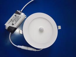 panneaux de plafond en grille Promotion Encastré Panneau lumineux LED PIR détecteur de mouvement affleurant Downlight corps humain induction plafonnier de LED AC85-265V