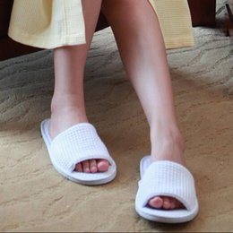 Wholesale Guest Flip Flops - Wholesale- 1Pair lot Unisex Pure white SPA slipper Open toe Closed-toe General Disposable Hotel slippers Home indoor slipper for guest