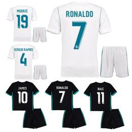 Wholesale Real Children - 17 18 kids real madrid Home white soccer jersey Ronaldo BALE LUCAS V MORATA JAMES RAMOS ISCO MODRIC away black child Football Shirt