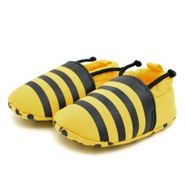 Wholesale Brand New Crib - Wholesale- Brand New Infant Toddler Crib Shoes Soft Sole Bees Print Kids Girls Boy Baby Anti-Slip First Walkers Shoes