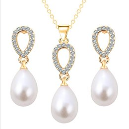 Wholesale Hot New Jewelry Set - New Bridal Earrings Necklaces Sets Diamond Pearl Crystal Drops Felegant Jewelry Hot Style Pendant Crystal Necklace Women'S Jewelry 3pcs Sets