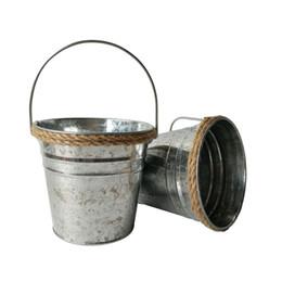 Fiori di ferro rustico online-D13 * H12CM Canapa corda Vasi per matrimoni galvanizzati Fioriera per vasi da fiori pentola in ferro Finitura rustica Vivaio Vasi argentate