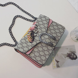 Wholesale Famous Brands China - woman famous brand leather handbags china fashion Embroidery bee bags women crossbody evening party bags luxury designer handbag bag