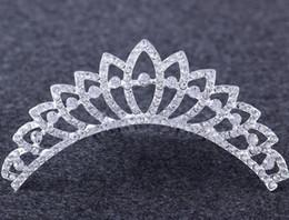 Deutschland Mode Hochzeit Frauen Mädchen Prinzessin Kronen Partei Strass Kristall Kamm Krone Tiara Haarschmuck Kostüm Requisiten Weihnachtsgeschenk Versorgung