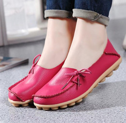 Wholesale Leather Driving Shoes Women - 2017 Moccasins Women's Soft Leisure Flats Female Driving Shoes Loafers Mother Casual Shoes Fashion Woman Genuine Leather Shoes