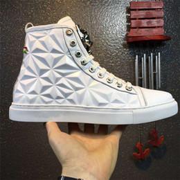 2019 tigre de metal branco Novo Estilo de Moda Sapatos Homens Sapatos Casuais de Alta Qualidade Top Designer de Marca Flats Metal tigre cabeça 3D Homens Sapatos Preto Branco tigre de metal branco barato