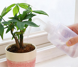 Wholesale garden plant sprayer - 250 500ML Mini Plastic Plant Flower Watering Bottle Sprayer Curved mouth watering can DIY Gardening Transparent for succulent plant
