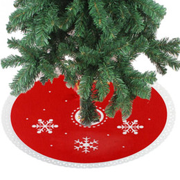 Wholesale Snowflake Skirts - Wholesale- 2017 New Year Funny Snowflake Pattern Red Xmas Tree Skirt Christmas Non-woven Fabric Decorative Round Dress