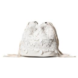 7aa75ed3 Мода Женщины сумки лето Drawtring Lase твердые PU симпатичные повседневная  Джокер корейский стиль черный белый для молодой леди рюкзак Crossbody сумка  милый ...