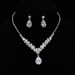 simple necklaces for indian women Coupons - Simple Crystal Bridal Jewelry Sets Silver Color Rhinestone Water drop Earrings Necklace Sets for Women Wedding Jewelry