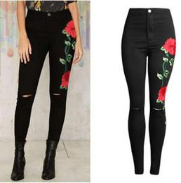 Jeans taille plus déchiré 28 en Ligne-Jean brodé rose pour les femmes, plus la taille Jeans skinny femmes Pantalon noir Vintage Denim Pants