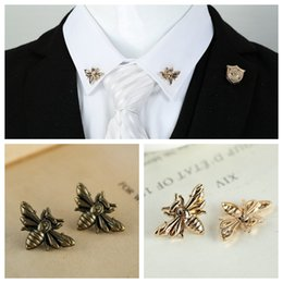 Wholesale Vintage Animal Pins - Wholesale- 2PCS lot Vintage Personalized Honey Collar Pin Fashion Retro animal Bee Lapel Shirt Neck Pins brooch unisex Jewelry accessories