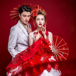Wholesale Chinese Paper Umbrellas Wholesale - Vintage Red Paper Chinese Japanese Oriental Umbrella Parasol 55cm 80cm Bride Wedding Long Handle Silk Umbrellas ZA3051