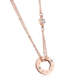2019 colar de gargantilha de couro barato Chegada nova Top Quality 316L Titanium aço Mulheres Colar Elegante Pingente de Design com Diamante marca de jóias para mulheres e meninas