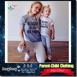 Wholesale Children S Matching Clothes - 2017 Summer Mother And Daughter Outfits Family Matching Casual Clothes Parent-Child Clothing Cotton T-Shirt Beach Fashion Wear Short Sleeve