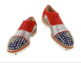 Zapatos de vestir para hombre de tacón plano online-2017 hombres de moda zapatos de vestir de estilo patchwork mocasines de cuero puntiagudo pisos spike stud mens zapatos de fiesta zapato de derby de tacón grueso