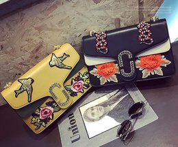 Wholesale Dragonfly Bags - Classic embroidery flower color chain bump the new spring and summer female bag embroidered flowers dragonfly woman single shoulder bag