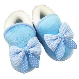 Argentina Al por mayor- Zapatos de bebé Zapatos de niña Niño pequeño Caminante Botas cálidas de invierno Bowknot Suela suave Prewalker cheap baby girl prewalker shoes wholesale Suministro